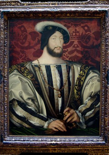 Jean CLOUET vers 1480 à 1540-1541. Portrait de François Ier, roi de France (1497-1547). Fils de Charles d'Angoulème et de Louise de Savoie, cousin du roi Louis XII, à qui il succéda sur le trône en 1515. François Ier porte le collier de l'ordre de Saint-Michel dont il était grand maître. Le visage correspond exactement à un dessin de Jean Clouet (Chantilly, musée Condée); la monumentalité et la plasticité du buste, l'importance des mains posées sur le gant et l'épée déterminent la modernité de ce portrait, qu'il faut sans doute dater des alentours de 1527-1530.