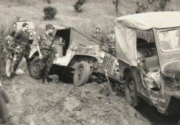 Pistes avec véhicules emborbées